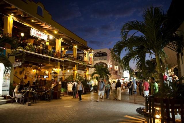 Uma cidade 100% preparada para o turismo, com muitas lojinhas, restaurantes e opções de balada