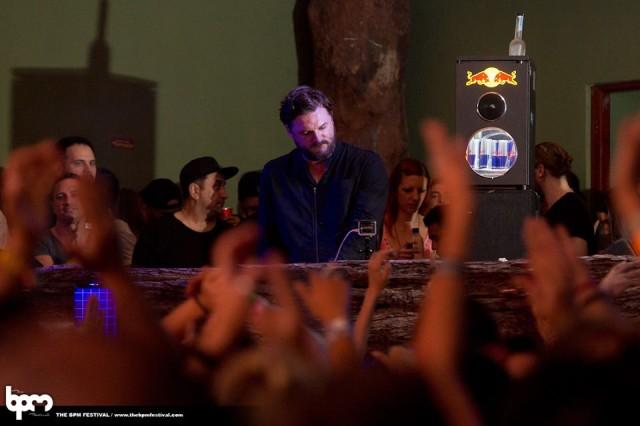 Solomun tocou pelo menos em 3 festas diferentes ao longo do festival.