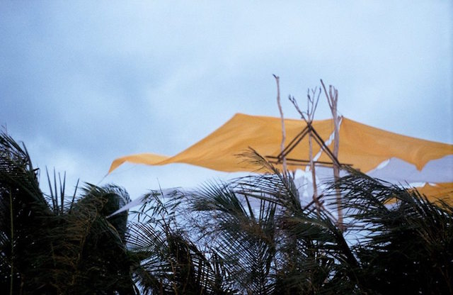 Uma ventania chegou forte e uma tempestade começaria nas próximas horas